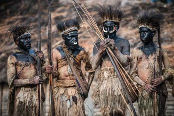Papua New Guinea Hewa tribe