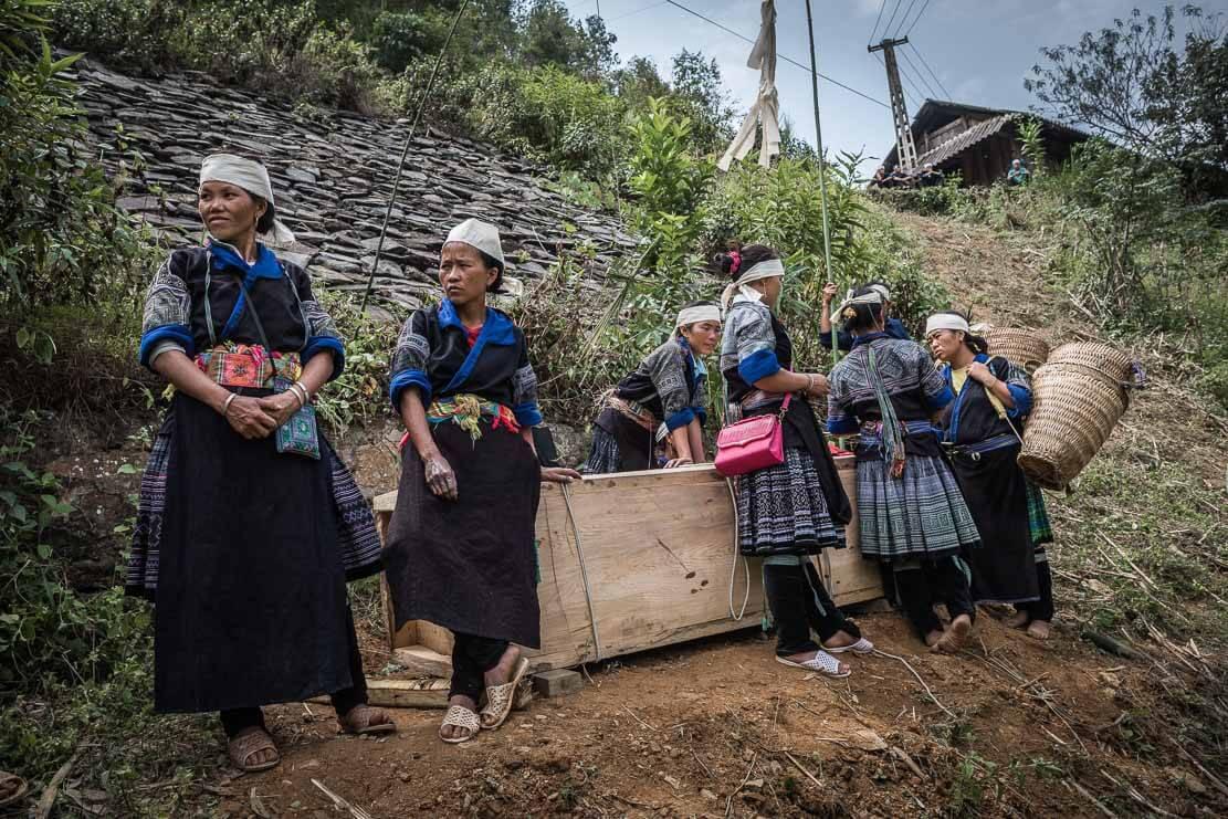 vietnam-hmong-funeral-010