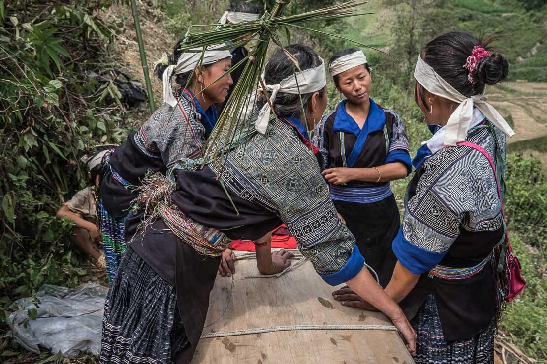 vietnam-hmong-funeral-011