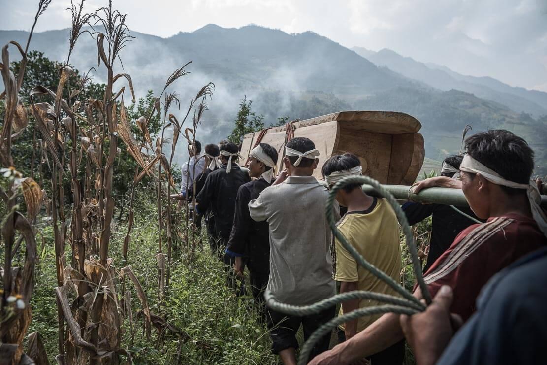 vietnam-hmong-funeral-018