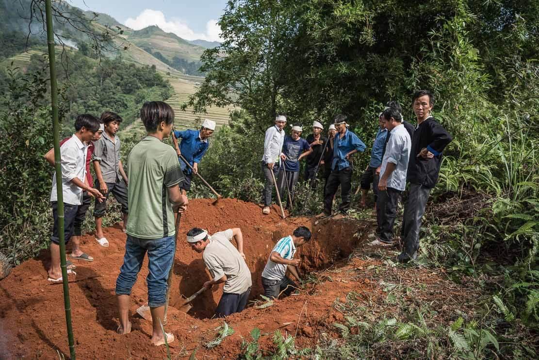 vietnam-hmong-funeral-019