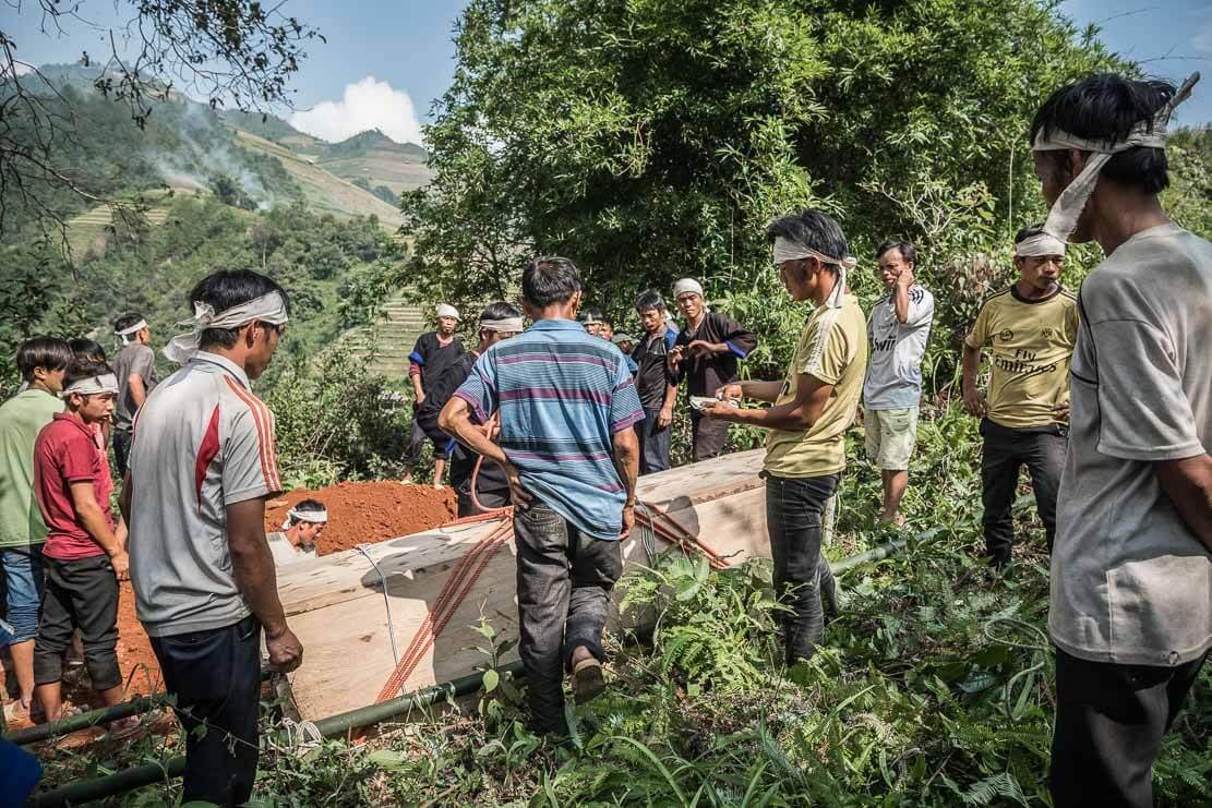 vietnam-hmong-funeral-020