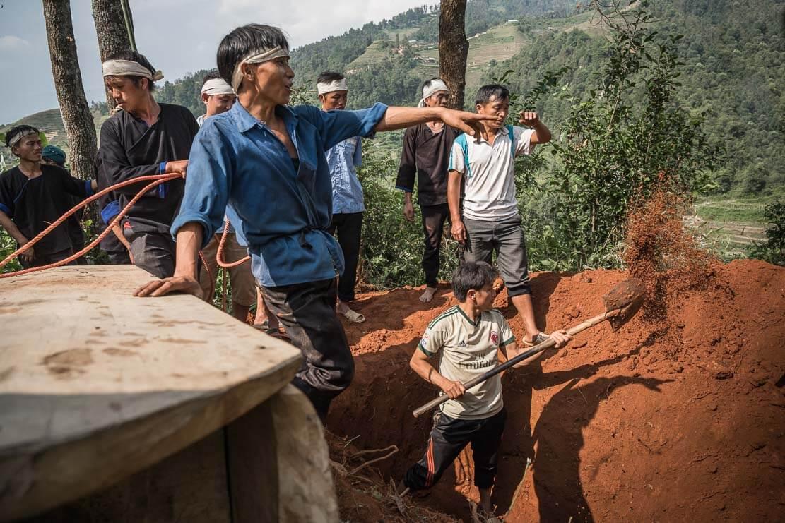 vietnam-hmong-funeral-023
