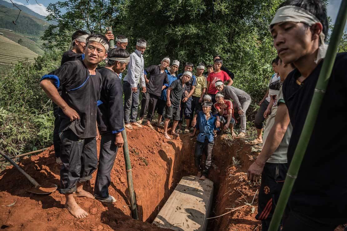 vietnam-hmong-funeral-028