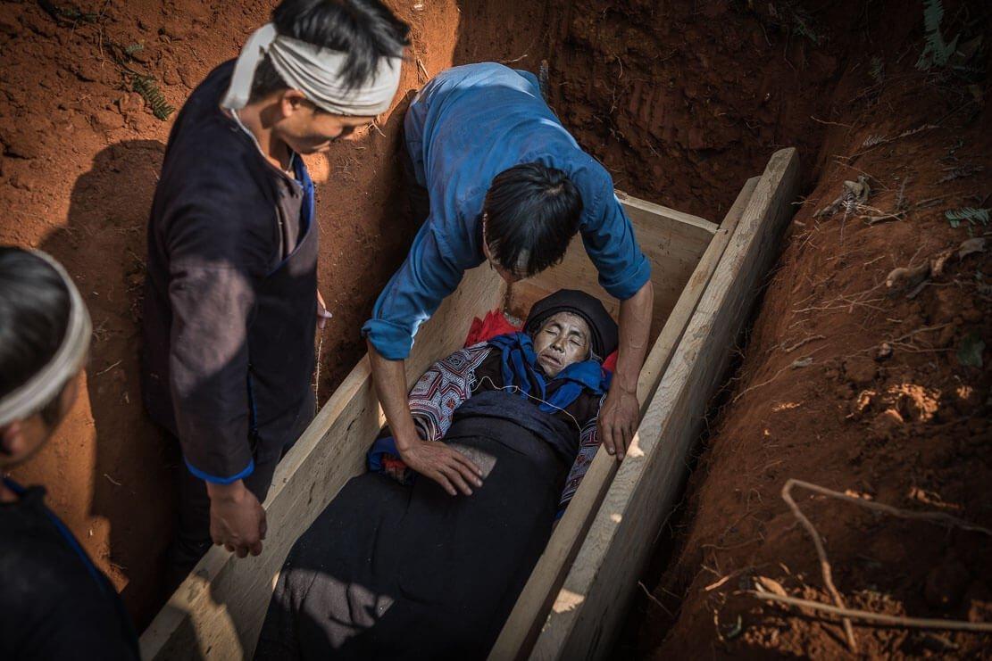 vietnam-hmong-funeral-030