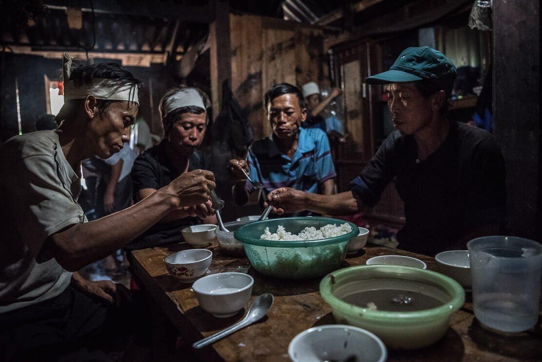 vietnam-hmong-funeral-043