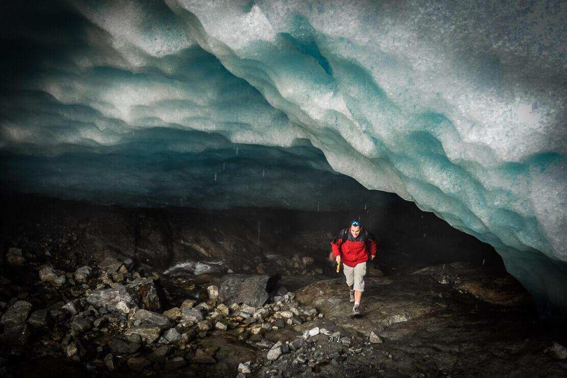 Randonnée en Suisse au glacier d'Aletsch et sa grotte de glace