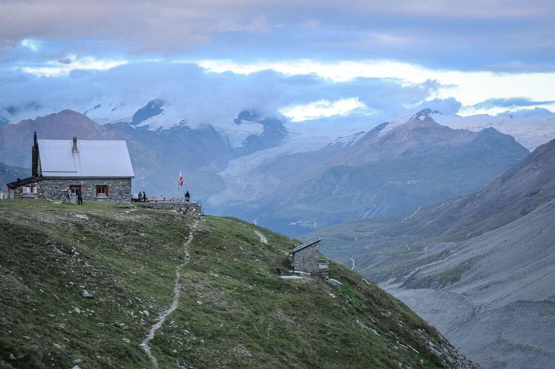 Schönbiel Hut (Schönbielhütte) in Zermatt