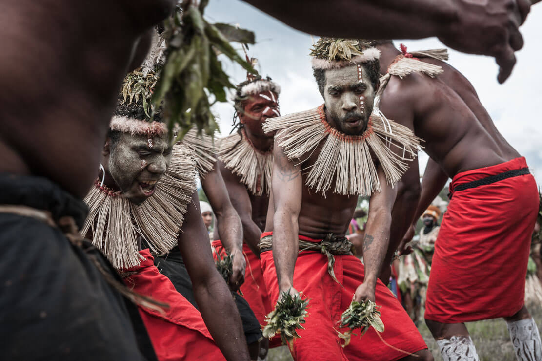 Papua New Guinea festivals: sing sing groups from East New Britain province at Enga Cultural Show in Wabag