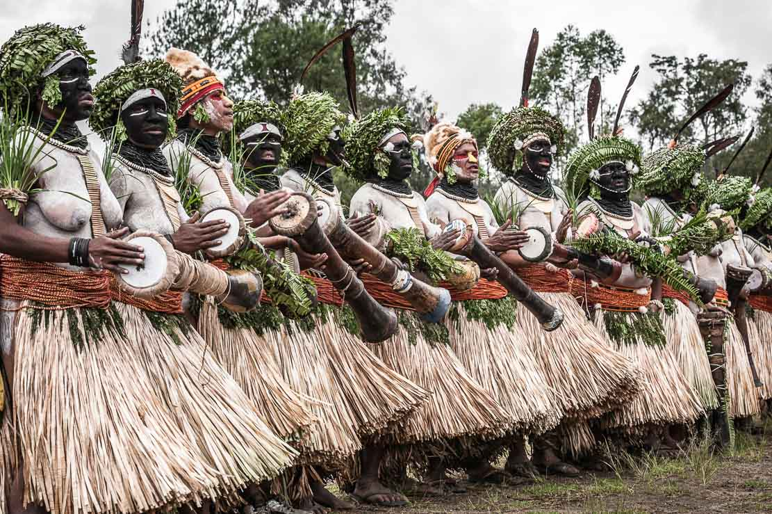 Papua New Guinea festivals: women dancers from Enga province at Enga Cultural Show in Wabag