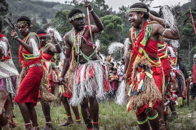 Papua New Guinea festivals: sing sing from Manus province at Enga Cultural Show