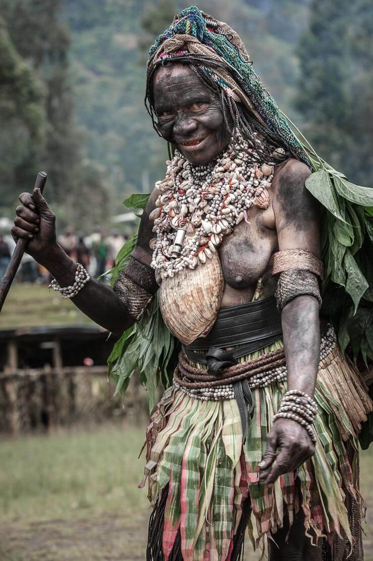 Papua New Guinea festivals: Western Highlands performers at Enga Cultural Show in Wabag