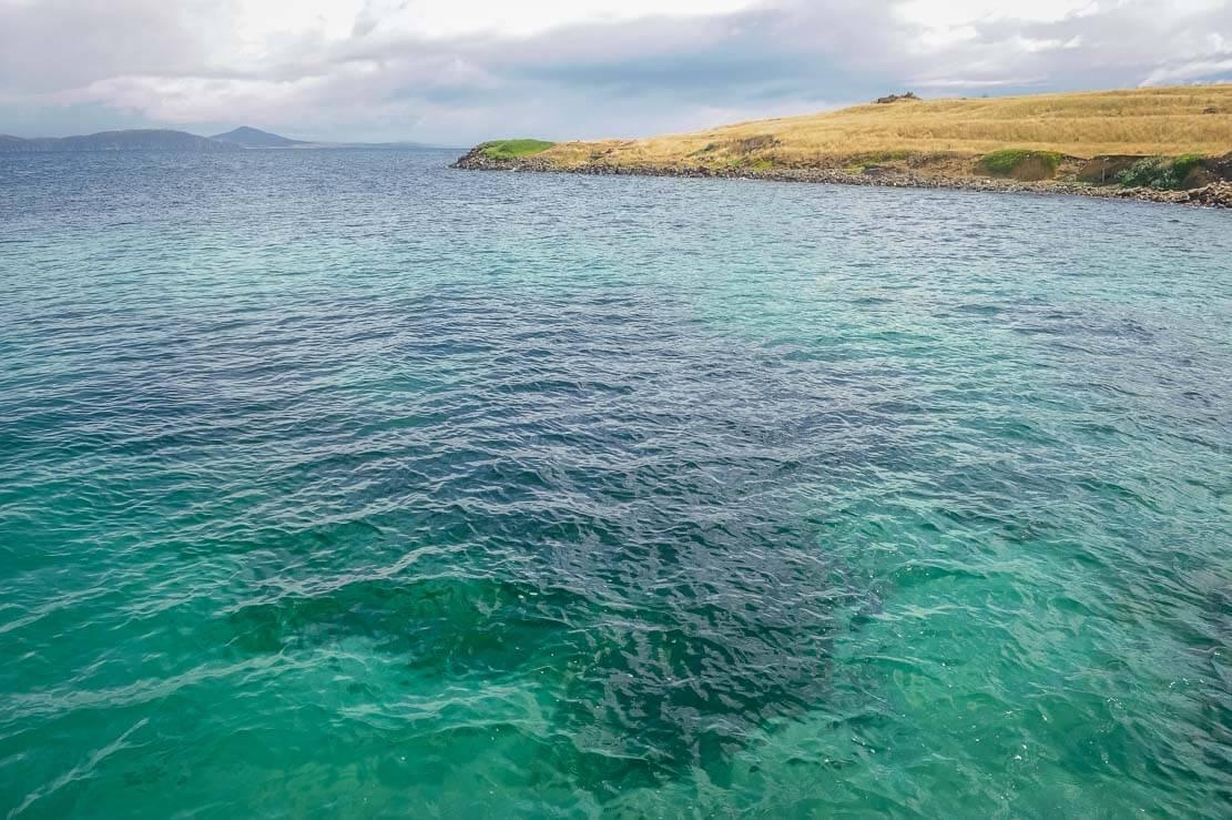 Turquoise waters of Maria Island in Tasmania