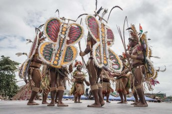 Sing sing group from Eastern Highlands Province of Papua New Guinea at Melanesian Festival