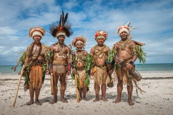 Sing sing group from Eastern Highlands Province of Papua New Guinea on the beach